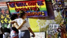 Estados Unidos recuerda este lunes a las 49 víctimas de la peor matanza por arma de fuego en la historia reciente del país, ocurrida hace un año durante una fiesta latina en el club gay Pulse deOrlando, en el centro de Florida. EFE/Gerardo Mora