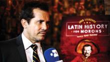 """El actor colombiano John Leguizamo habla durante una entrevista sobre su obra """"Latin History for Morons"""" en Nueva York. Leguizamo regresa a Broadway con esta comedia satírica para denunciar que se ha enterrado la historia de los latinos. EFE en EE.UU.. EFE"""