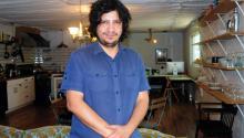 Alejandro Zambra, poeta y novelista chileno a quién los críticos han catalogado como el creador de la 'ficción autobiográfica'. EFE