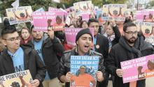 Cientos de jóvenes soñadores de diferentes estados del paísdurante una manifestación para pedir la aprobación de la ley Clean Dream Act el pasadojueves 9 de noviembre en Washington D.C. EFE