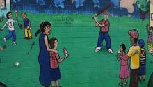 Un grafiti racista aparecióeste lunessobre uno de los murales del Calle 16 Mural Project, de Phoenix, Arizona, que resalta la cultura mexicana. EFE/ Beatriz Limón
