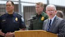 US Attorney General Jef Sessions announcing that the Justice Department will begin prosecuting every person who illegally crosses into the United States along the Southwest border. EFE