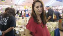 La programadora de la Feria del Libro de Tijuana, Ivonne Arballo, durante el cierre de este magno evento en la fronteriza Tijuana, en el estado de Baja California (México). EFE/Isabel Reviejo