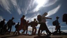 Grupos de migrantes centroamericanos continúan su recorrido por carreteras del estado Jalisco (México), para encontrarse con los cerca de cuatro mil que ya han arribado a la fronteriza Tijuana, donde prevén entrar a Estados Unidos. EFE