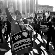 Manifestación Pro ObamcareRally. Reunión en apoyo delAffordable Care Act frente a la CorteSuprema de los Estados Unidos, enWashington DC. (LaDawna Howard, vía Flickr).