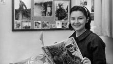 AgustinaCastro, de 20 años, hermana del líder rebelde cubano FidelCastro, en la habitación de su pensión en la localidad suiza de Villeneuve, donde se encuentra estudiando francés. ACTUALITÉS SUISSES LAUSSANE/jgb