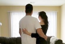 Esposo y esposa brasileños, que recientemente se mudó a los Estados Unidos.