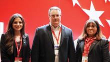 Christina Lista (D) y Miriam Borja-Fisher (I), junto con representantes de la Cámara Chileno-Americana de Comercio de Filadelfia, en el encuentro de comercio Fruittrade, en Casapiedra, Santiago de Chile, 27 de Septiembre del 2017.Yamily Habib/AL DÍA News.
