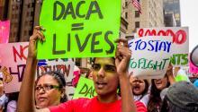 Los defensores de la inmigración se reúnen cerca de Trump Tower el 15 de agosto. Erik McGregor/Pacific Press/LightRocket via Getty Images