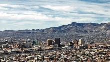 La Ciudad de El Paso se unió a la demanda de inconstitucionalidad contra Texas por la ley SB4, que permite a las policías locales pedir documentos migratorios incluso por una falta de tránsito, informaron hoy fuentes municipales.