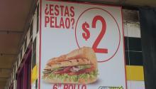 Publicidad de comida rápida en Condado San Juan, Puerto Rico. Foto: Wikimedia
