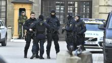 Al menos dos personas han muerto al atropellar un camión a varios viandantes en el centro deEstocolmoen lo que las autoridades consideran un atentado terrorista, confirmó el primer ministro sueco, Stefan Löfven. EFE/Claudio Bresciani