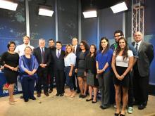 """NBC10 y Telemundo62 fueron los anfitriones del Banco Telefónico Informativo """"DACA"""". El 28 de septiembre del 2017. Foto cortesía de Diana Torralvo de NBC10 y Telemundo62."""