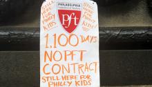 Un cartel de protesta, encontrado a las afueras del Ayuntamiento