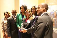 Jennifer Rodriguez (en el centro), junto a miembros de YCPN.