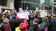 Una protesta de los Martes con Toomey a las afueras de la antigua oficina del Senador Pat Tommey.