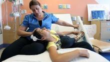 El futuro de una madre inmigrante en los Estados Unidos es incierto mientras que su hija más joven lucha contra el cáncer de pulmón en El Paso Children's Hospital. Mark Lambie / El Paso Times