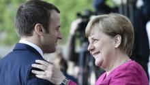 The challenge of the new French president will be to negotiate a European remodeling, in a continental political model dominated by Germany. In the photo: German Chancellor Angela Merkel (R) greets French President Emmanuel Macron (L) upon his arrival at the German Chancellery in Berlin, Germany on May 15, 2017. EFE / Carsten Koall