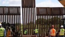 La Patrulla Fronteriza Sector Tucson informó hoy que culminó las obras de reemplazo de casi 7.5 millas delmurofronterizo cerca del puerto de entrada de Naco en la frontera de Arizona conMéxico.EFE/Carole Condon