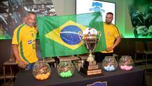 Adenilson Dos Santos y Andre Butra están emocionados pues su país natal, Brasil, estará participando en la Copa Internacional de la Unidad en Filadelfia. Foto: Peter Fitzpatrick/AL DÍA News.