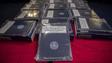 View of several copies of the full budget proposal for 2018 at the Capitol in Washington DC today, May 23, 2017. EFE / Shawn Thew