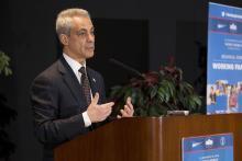 El acalde de Chicago, Rahm Emanuel, durante un congreso sobre familias trabajadoras, en abril de 2014. Foto: Andrew A. Nelles/ Wikimedia
