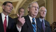 Senate Majority Leader Mitch McConnell (C), along with Wyoming Republican Senator John Barrasso (L) and Texas Republican Senator John Cornyn (R) on Tuesday, July 11 Of 2017, during a press conference in the Capitol in Washington (the United States). EFE/MICHAEL REYNOLDS