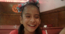 Rosa María Hernández, 10, who has cerebral palsy and underwent emergency gallbladder surgery last Tuesday, has been in an immigration detention center for six days without seeing her parents. (Photo: @ EdgarANavarrete / Twitter)