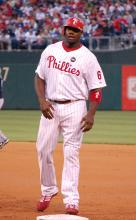 """Ryan Howard 2009"" by L-Rey on Picasa Web Albums (Original version)UCinternational (Crop) - Originally posted to Picasa Web Albums as ""Phillies vs Brewers 4/21/2009""Cropped by UCinternational. Licensed under CC BY 3.0 via Commons."