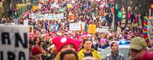 """Philadelphia participateaFiladelfia participó de la acción espontáneatitulada """"No me quedaré callada""""d in a nationwide flash mob titled, """"I Can't Keep Quiet."""""""