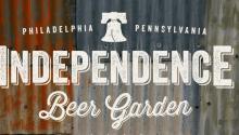 A tomar cerveza en Independence Beer Garden