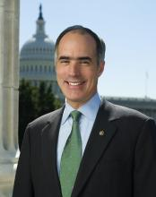 "Foto: ""Senator Bob Casey official photo 2010"" by Office of Senator Bob Casey - http://casey.senate.gov/images/newsroom/press_photos/senator-casey-close.... Licensed under Public Domain via Wikimedia Commons -."