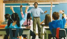 De ahora en adelante, el Distrito Escolar adoptará una serie de medidas específicas para que sus empleados sepan cómo reaccionar en caso de que un agente de ICE se presente en la escuela.