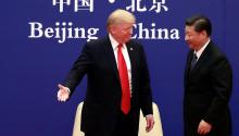 US President Donald Trump (L) and his Chinese colleague, Xi Jinping (R), attend a business event held at the Great Hall of the People in Beijing (China) on November 9, 2017. EFE / Xinhua