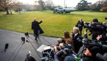 US President Donald Trump says goodbye to journalists before heading to Utah from the White House in Washington, United States, on December 4, 2017. EFE / Jim Lo Scalzo