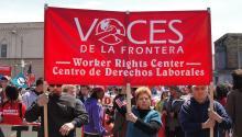 Foto de archivo del colectivo Voces de la Frontera, en una manifestacióndel 11 de mayo del 2011 en Milwaukee. Fuente:https://wibailoutpeople.org