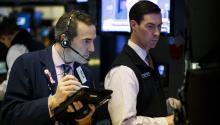 WallStreetperdíael 09 de mayo,el rumbo y a media sesión el Dow Jones de Industriales, su principal indicador, cedía un 0,06 % en otra jornada tranquila después de los últimos récords del Nasdaq y el S&P 500. EFE/JUSTIN LANE