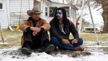 """Jeremy Renner, izquierda, y Gil Birmingham en """"Wind River"""" de Taylor Sheridan. Foto: Fred Hayes/The Weinstein Company."""