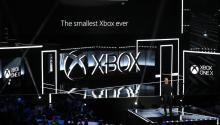 La nueva Xbox One X se presenta en la Conferencia de Prensa Xbox E3 2017 en Los Ángeles, California, EE.UU., 11 de junio de 2017. La expo E3 introduce nuevos juegos y dispositivos de juego y es un evento anual previsto entre los entusiastas de los juegos y los vendedores. El evento se desarrolla del 13 al 16 de junio de 2017. (Estados Unidos) EFE / EPA / MIKE NELSON