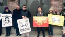 Activistas de inmigración en Filadelfia realizaron este viernes 8 de enero una manifestación en el exterior de las instalaciones de la Oficina de Inmigración y Aduanas (ICE), para pronunciarse en contra de las redadas. Foto: Max Marin/AL DÍA News
