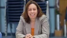 Representante Acosta lista para luchar por el aumento del salario mínimo