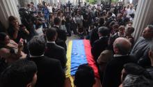 View of a Venezuelan flag on the coffin with the body of Councilman Fernando Albán Salazar on Tuesday, October 9, 2018, at the Legislative Palace, in Caracas (Venezuela). Albán, of the opposition Primero Justicia (PJ) party, was arrested Friday at the Maiquetía International Airport when he returned to Venezuela from the United States. EFE / Miguel Gutiérrez