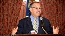 Judge Nelson A. Díaz speaks at an AL DÍA event in 2016. (Peter Fitzpatrick)