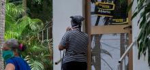 ¿Podrá el gobierno de Biden restablecer las operaciones de Western Union en la isla?Photo: AP