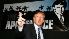 """Cuando el mago de los programas-realidad, Mark Burnett, ofreció un programa en que Trump abusaba de los concursantes mientras buscaba un """"Aprendiz"""", Zucker literalmente saltó y cerró la puerta para que Burnett no pudiera salir antes de firmar el trato. Univision"""