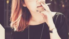 Los fumadores de marihuana suelen mezclarla con tabaco. Foto: Thong Vo