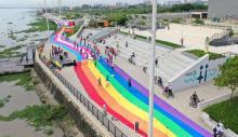 LGBTI flag on the Gran Malecón del Río. Courtesy Caribe Afirmativo.