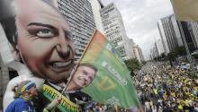 Supporters of presidential candidate Jair Bolsonaro of the Social Liberal Party (PSL) meet on Sunday, September 30, 2018 on Avenida Paulista in Sao Paulo (Brazil). Followers participated in an act of support for the far-right Bolsonaro, leader in the polls for the presidential elections in October in Brazil. EFE/Sebastião Moreira.