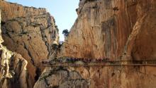 El desfiladerose encuentraa 100 metros de alturasobreel rio. Foto:Alfonso Cerezo