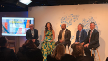 Claudia Romo Edelman, fundadora de We Are All Human, encabeza el foro por el desarrollo de la comunidad Hispana en Estados Unidos en Davos. Fuente: https://twitter.com/WAAH_Foundation